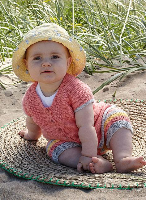 2201 Babytopp och shorts i Tilda
